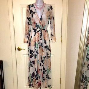 Stunning NWT floral boho maxi dress